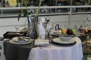 illustration culinaire table, couverts, assiettes, verres... - Carre - Pont de Beauvoisin 73